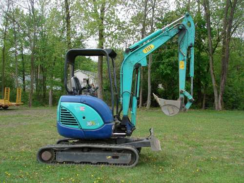 Mini Excavator with 10' Dig